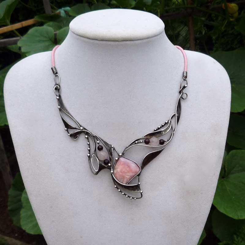 Trio náhrdelník - opál,růženín,granát