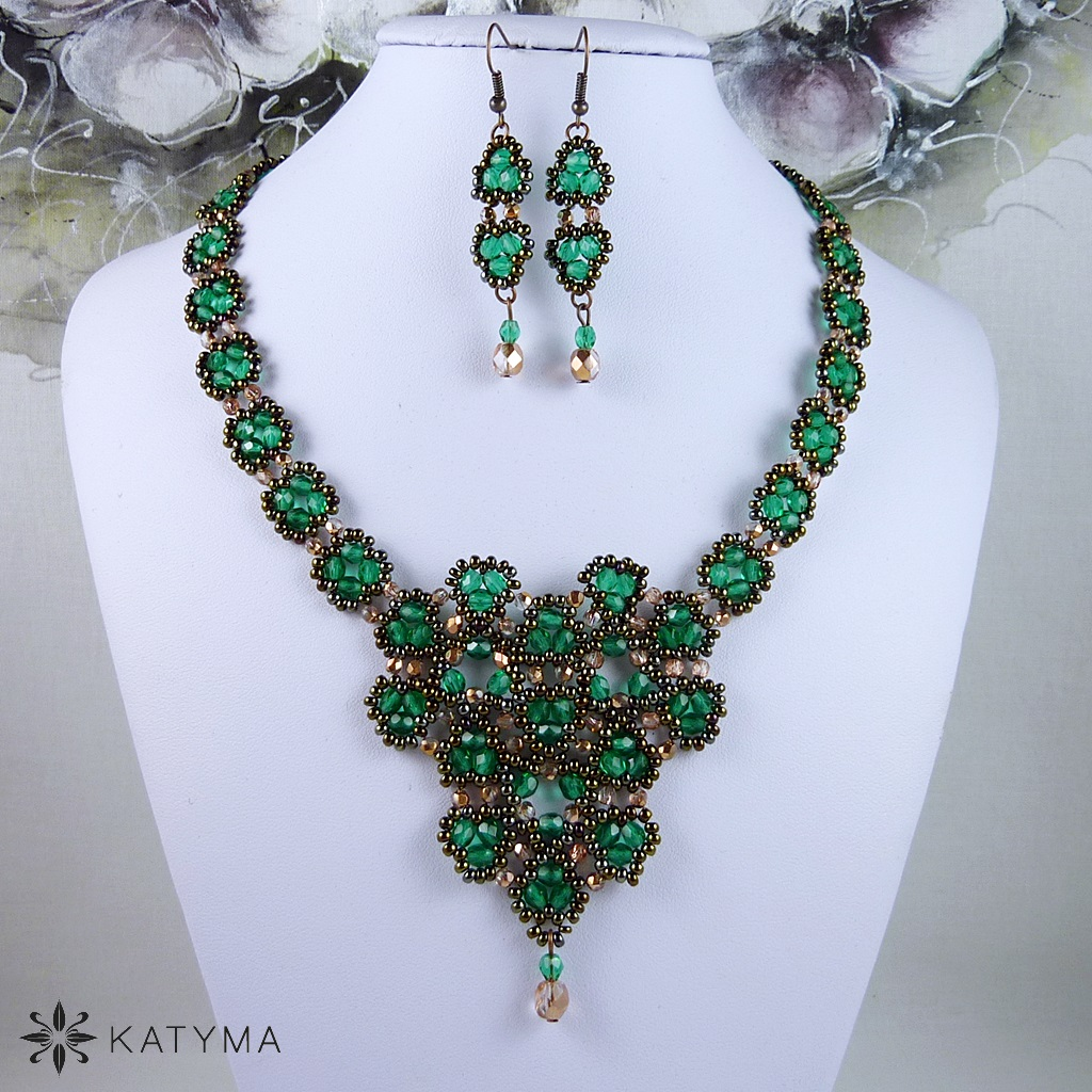 e81c2c472 Souprava krajka smaragdově zelená – Potvor - pomáhat tvořit