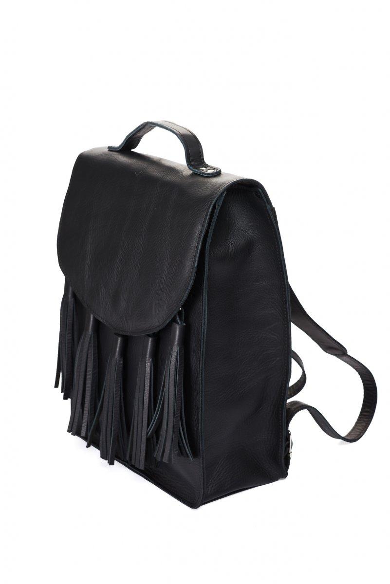 Kožený batoh - černý s třásněmí – Potvor - pomáhat tvořit 887f046b79