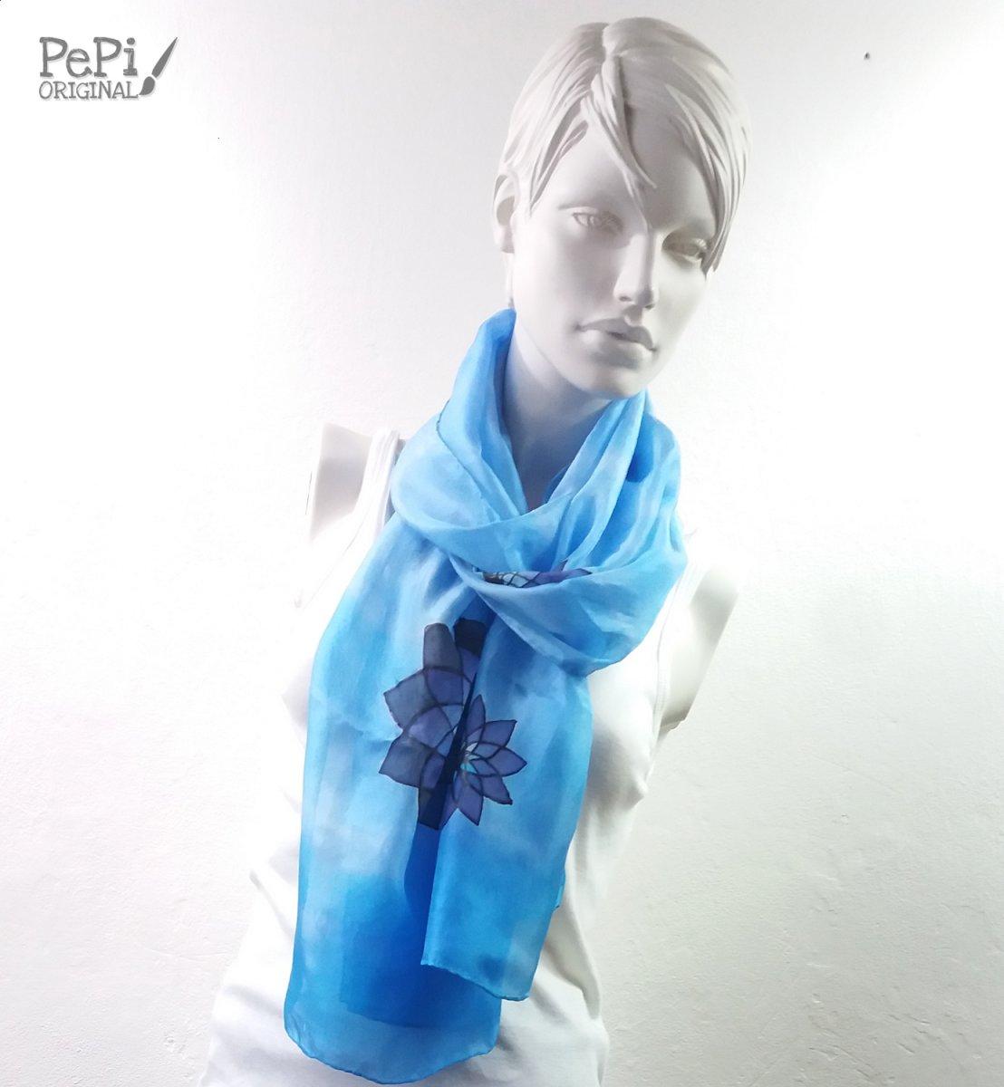00497671db0 Hedvábný ručně malovaný šál
