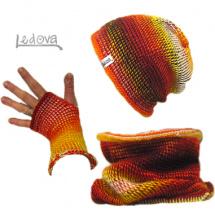 Souprava čepice, tunelu a návleků na ruce