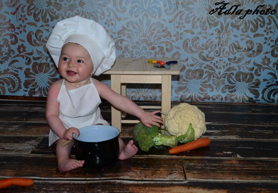 4a44451e6a4 Dětská kuchařská čepice menší a zástěrka 0-2roky – Potvor - pomáhat ...