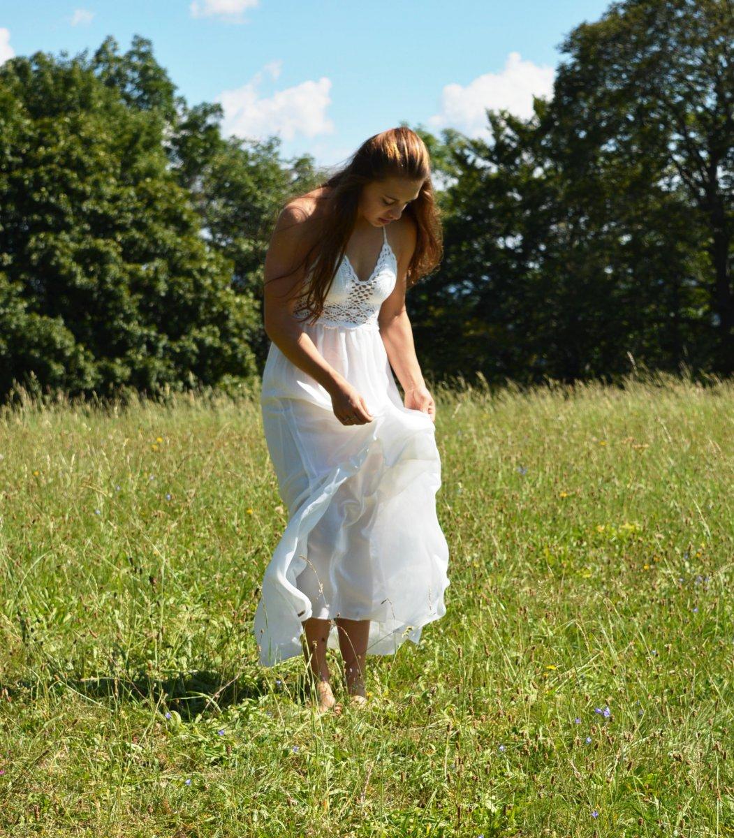 Letní háčkované šaty FAIRY – Potvor - pomáhat tvořit d8aa535ddc