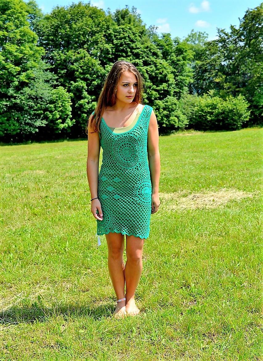 Háčkované šaty GREEN – Potvor - pomáhat tvořit 51609019d4