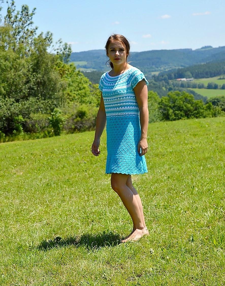 Háčkované šaty HEAVENLY – Potvor - pomáhat tvořit 01fcc2b2d4