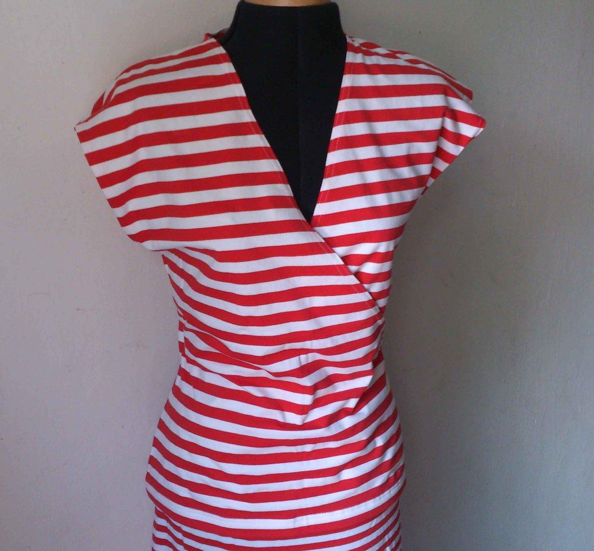 LETNÍ VÝPRODEJ Dámské tričko červeno bíle pruhované – Potvor ... 6fb3f48eb3