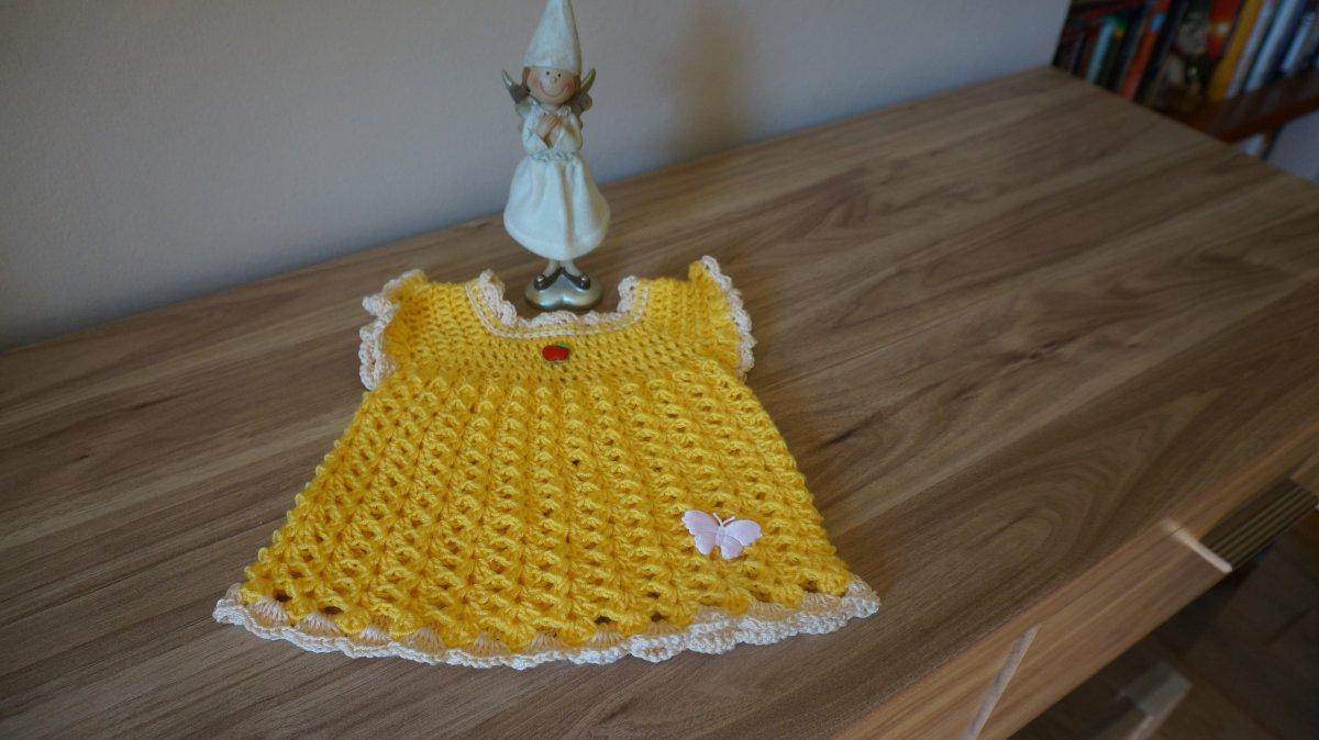 Háčkované žluté šatičky pro holčičku. – Potvor - pomáhat tvořit e3852d6b96