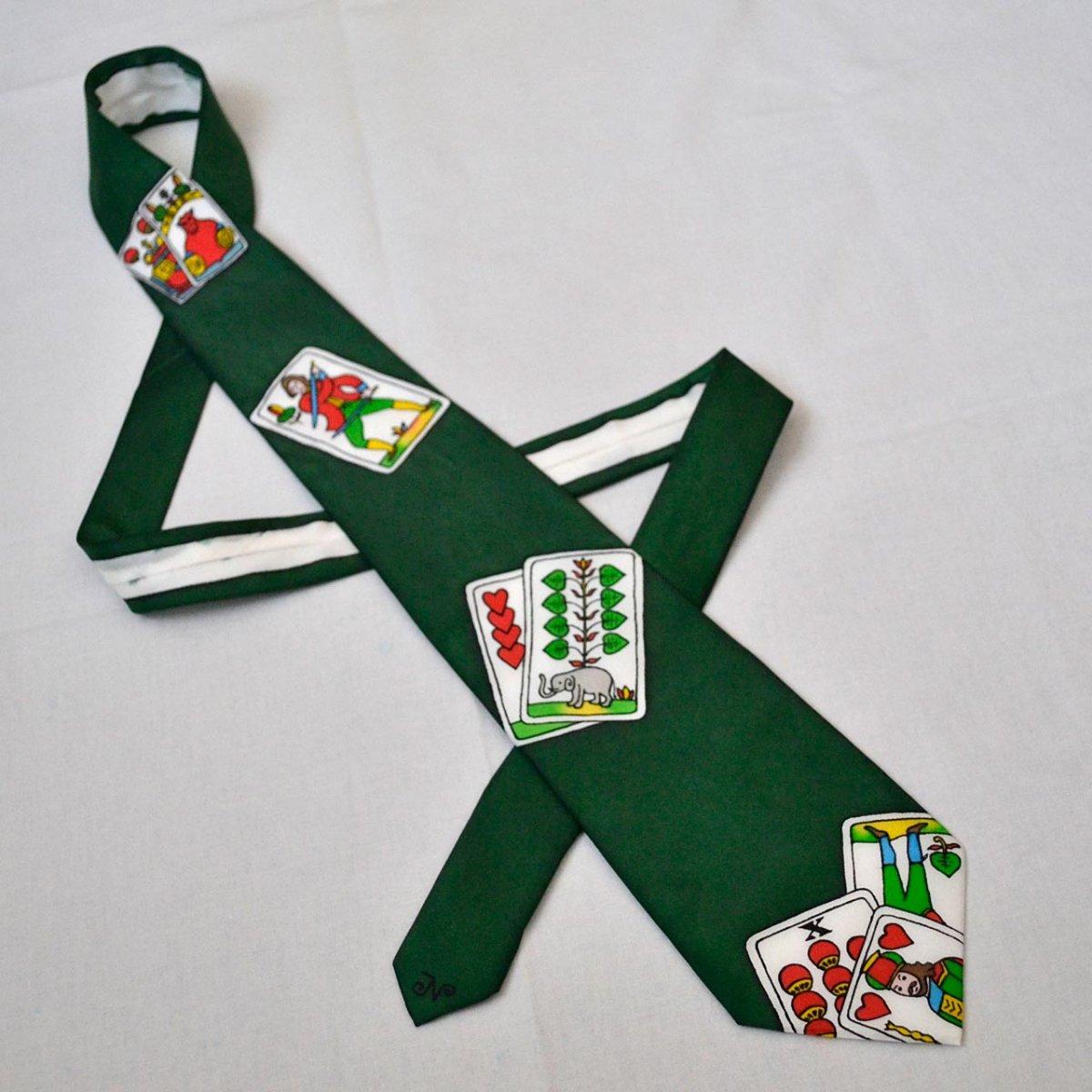 ae8dadfa554 Hedvábná kravata s mariášovými kartami - zelená - SLEVA – Potvor ...