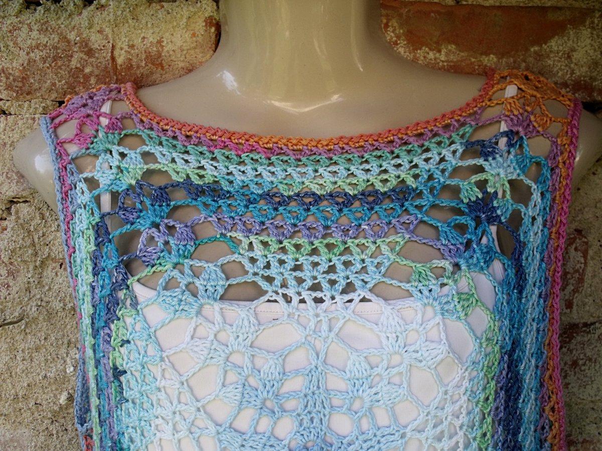 Háčkované letní šaty na objednávku – Potvor - pomáhat tvořit 7388bf3e97