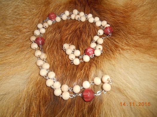 c03ab867b Lehounký dřevěný náhrdelník 2 – Potvor - pomáhat tvořit