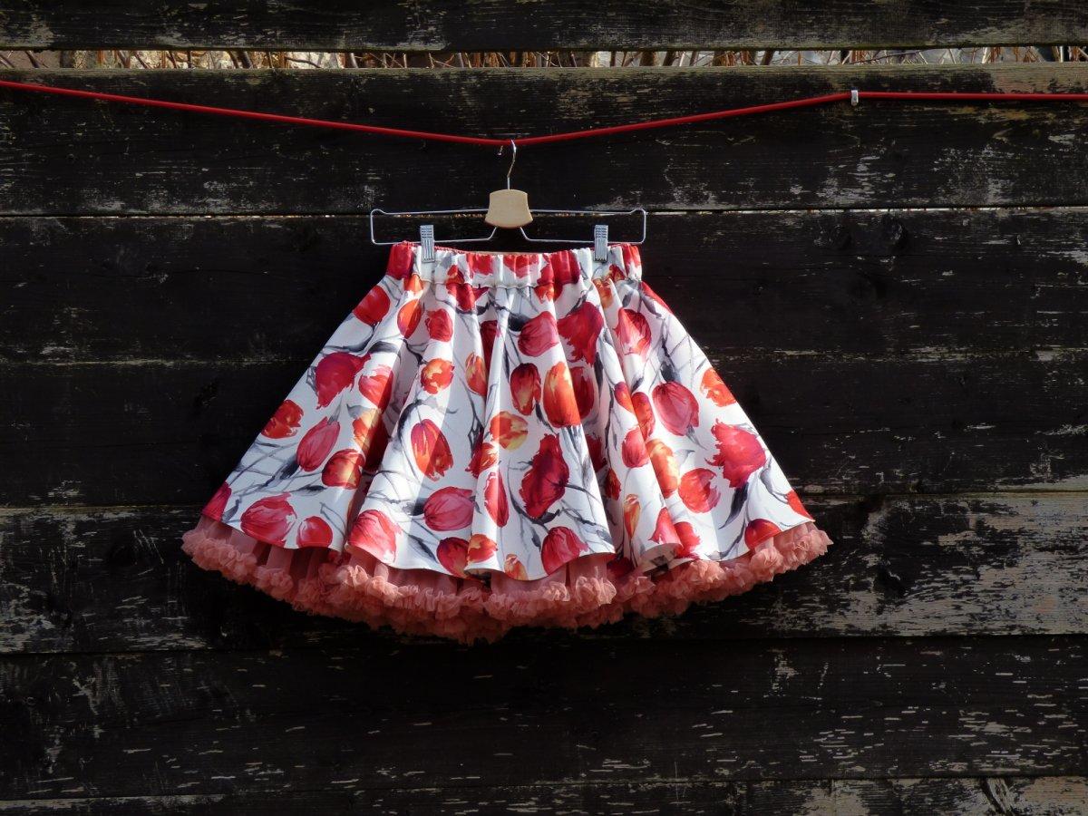 42ad0fa2d5c FuFu sukně tulipány s lososovou spodničkou – Potvor - pomáhat tvořit