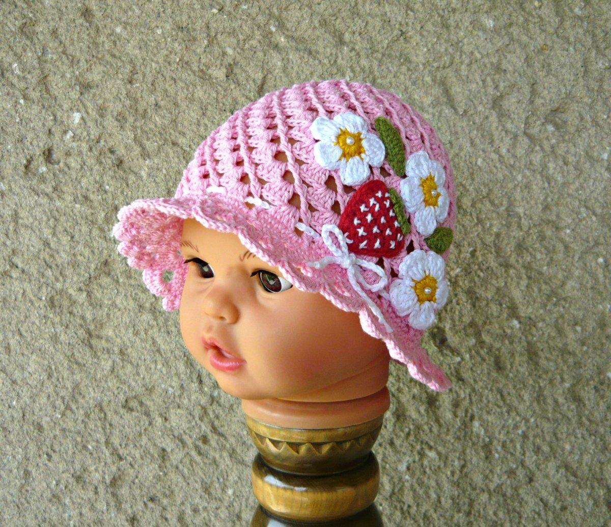 e98abb69312 Růžový háčkovaný klobouček jahůdkový  -) – Potvor - pomáhat tvořit