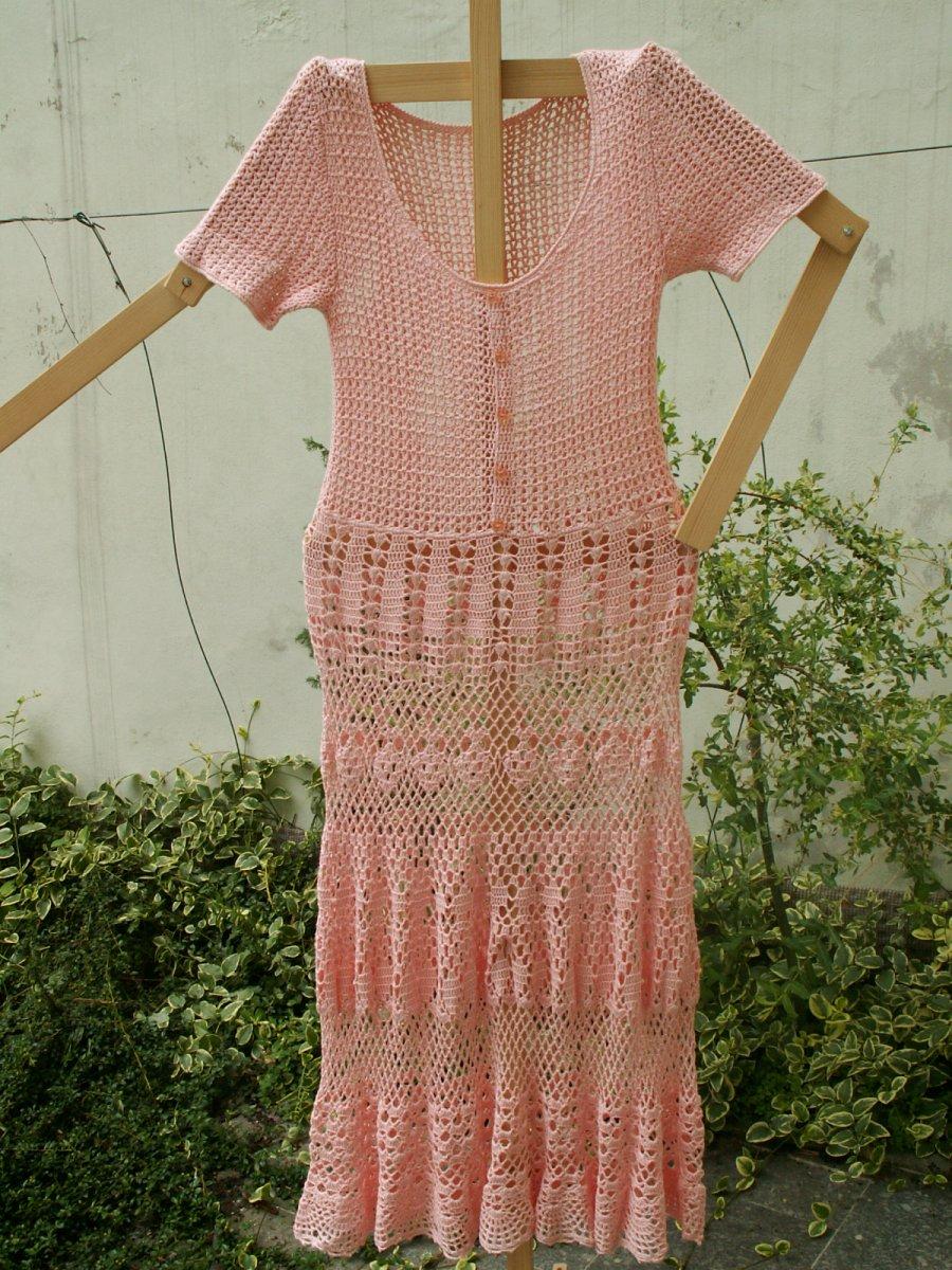 Háčkované šaty růžové – Potvor - pomáhat tvořit 6365d0a55c