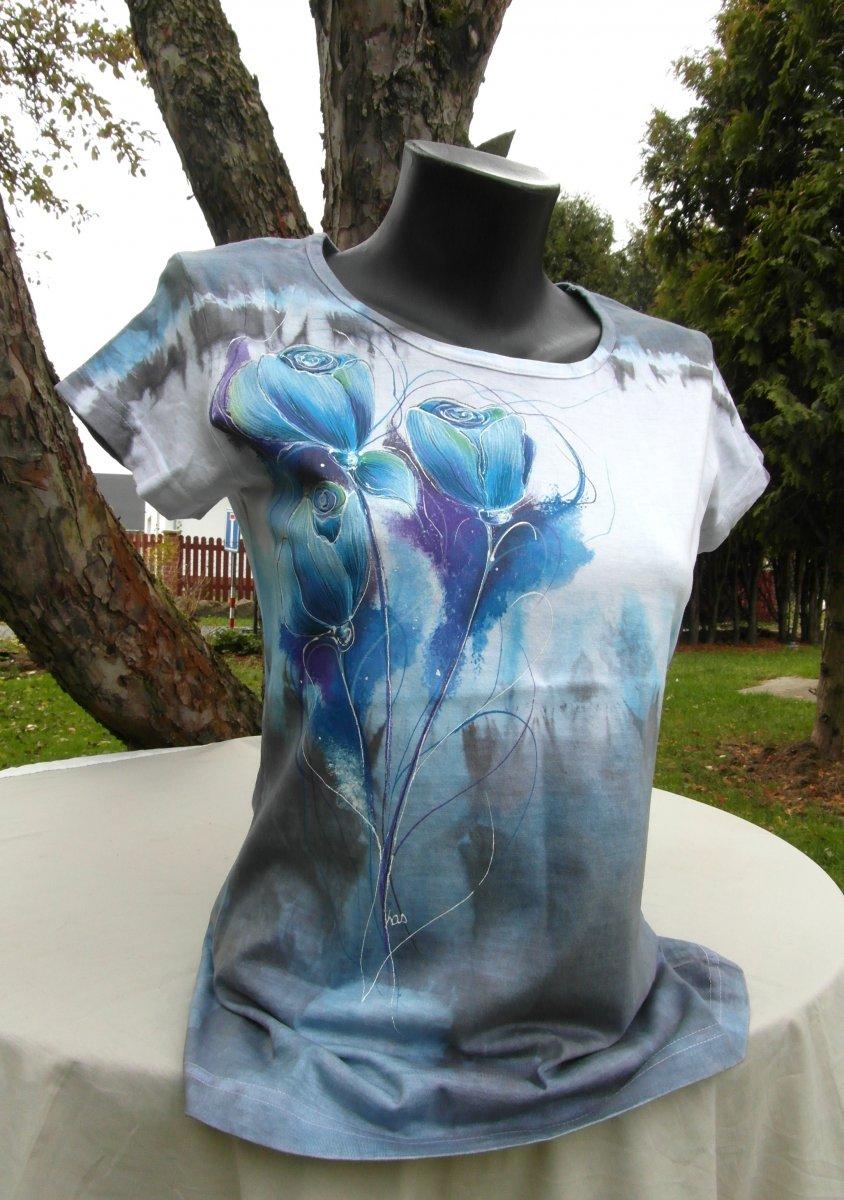 e02a04c2d74 Modrošedé tričko růže -ručně malované – Potvor - pomáhat tvořit