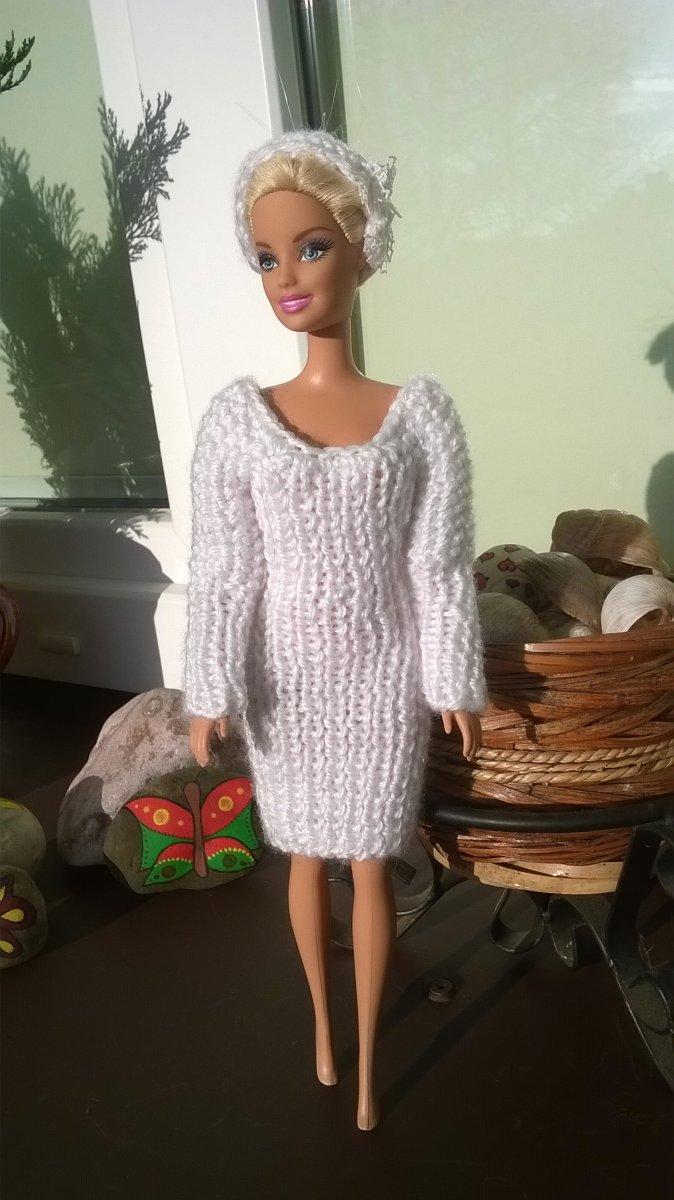 d43bb92d2d3f Bílé pletené šaty pro Bárbie – Potvor - pomáhat tvořit