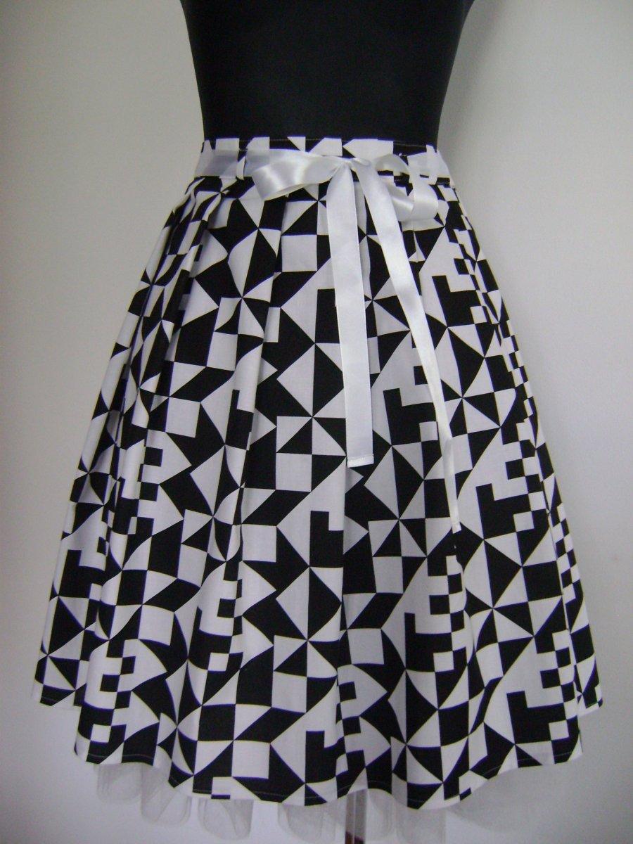 7b7b190cf8f6 Retro sukně 10 – Potvor - pomáhat tvořit