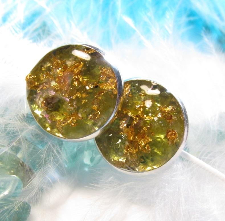 Orgonit náušnice - Olivín   Plátkové zlato – Potvor - pomáhat tvořit ae91e0de0d4
