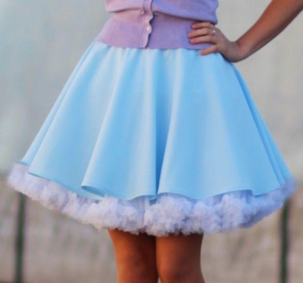 6817f5cbfcb FuFu sukně světle modrá s bílou spodničkou – Potvor - pomáhat tvořit