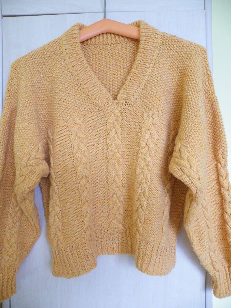 c32c066994bd ručně pletený oranžový svetr – Potvor - pomáhat tvořit