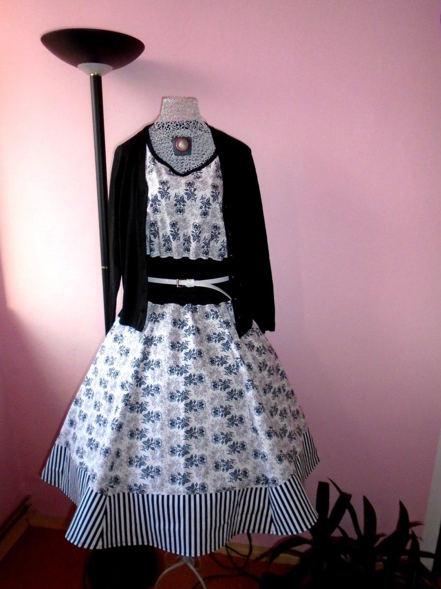 Dámské retro šaty - květy ve stínu – Potvor - pomáhat tvořit fe4462ba155