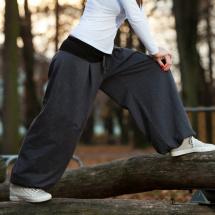 ee67a19ae2e Kalhoty a kraťasy – Potvor - pomáhat tvořit